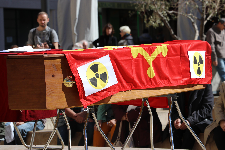 Vidéo de Patrick Milani  «La Marche Funèbre» organisée par TCNA par rapport à Orano-Malvési à Narbonne